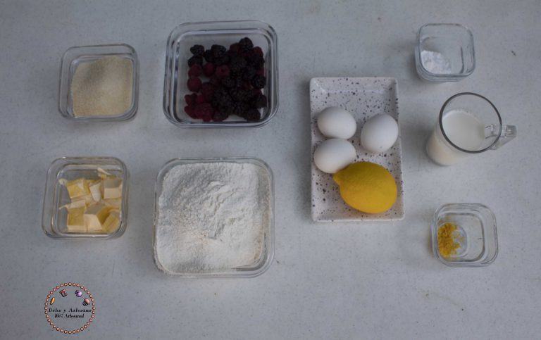 ingredientes para muffins frutos rojos